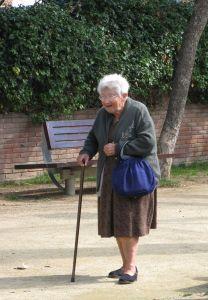 Alte arme Frau